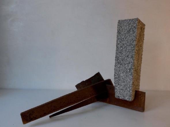 Hartmut Stielow Morgen Granit, Stahl, 50*39*61cm, 2011