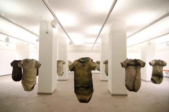 Brone Neverdauskiene, Monika Zaltauskaite Grasiene Total Equality Installationview, Textile, dim var., 2010