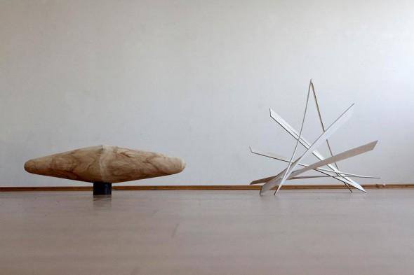 Rimantas Milkintas Von Punkt I  Holz, Apfelbaum   30x 94x 25 cm, 2012  Von Punkt II Holz, furniert   4x 76x 55 cm, 2012