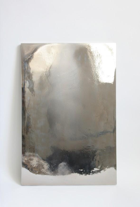 Hella Berent Miroir # 10  CERCCO Genève Porzellan, Glasur + Platinum, 67 x 49,5 x 1,5 cm, 2014